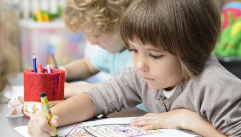 Bērnudārzu vadītājas: ne visi bērni var sākt skolas gaitas no sešu gadu vecuma