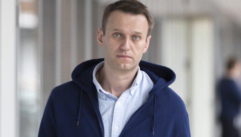 Навальный заявил, что его не выпускают из России