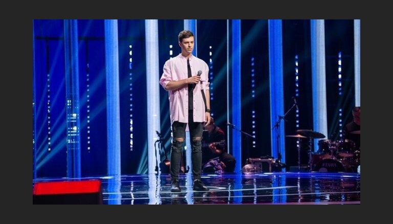 Latvietis Edgars Kreilis iekļūst Lietuvas šova 'Balss' finālā