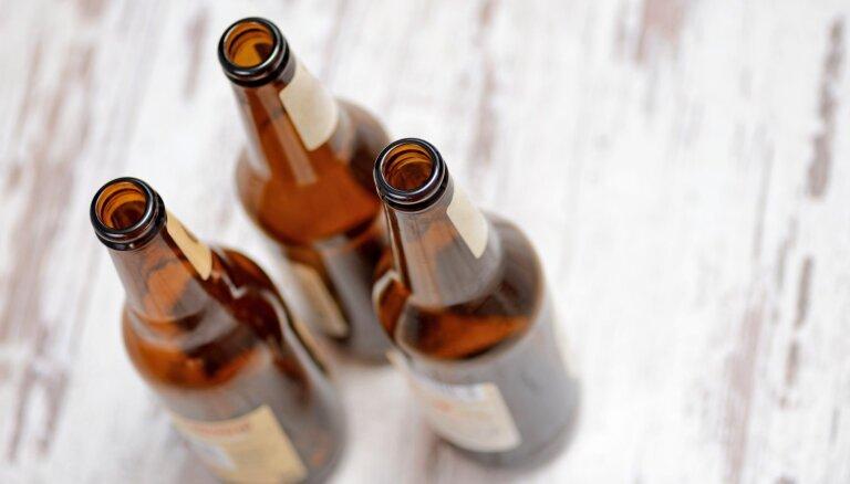 Tukšo pudeļu kalni pēc svētkiem: radošas idejas, kur tās izmantot