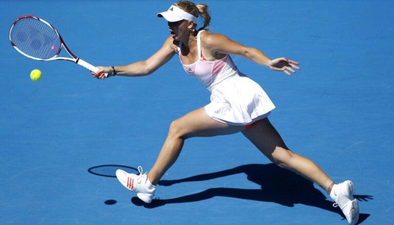 Vozņacki un Na Li iekļūst 'Australian Open' pusfinālā