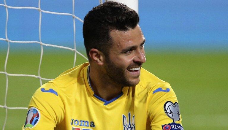 UEFA nesoda Ukrainu par brazīlieša Moraeša piedalīšanos spēlēs