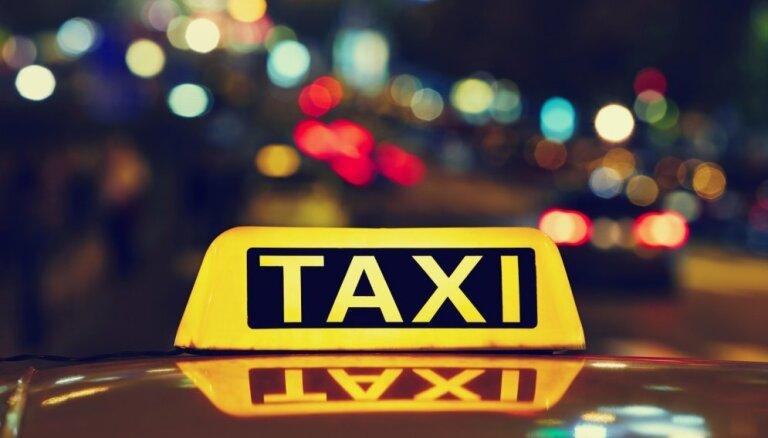 """Студент из Узбекистана представлялся """"Айваром"""" и пытался подработать таксистом"""