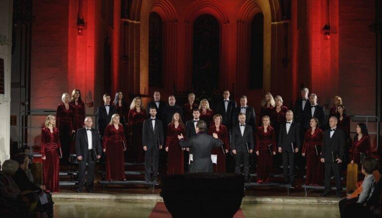 Koris 'Blagovest' aicina uz tradicionālajiem Lielā gavēņa laika dziedājumiem
