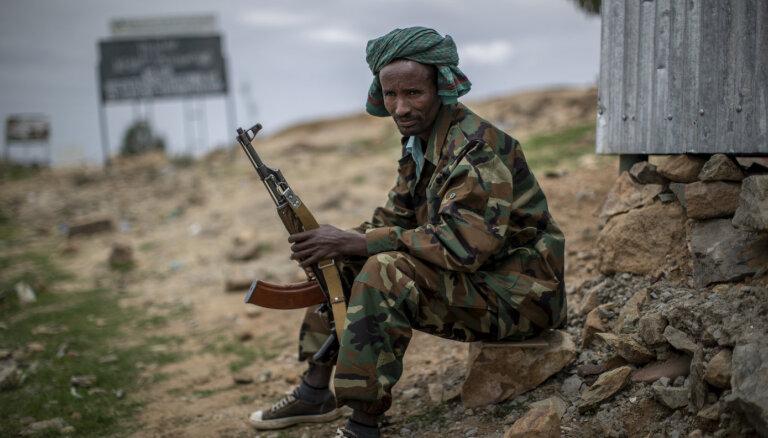 Tigrajiešu kaujinieki Etiopijas ziemeļos atkaro pērn armijai zaudētās teritorijas