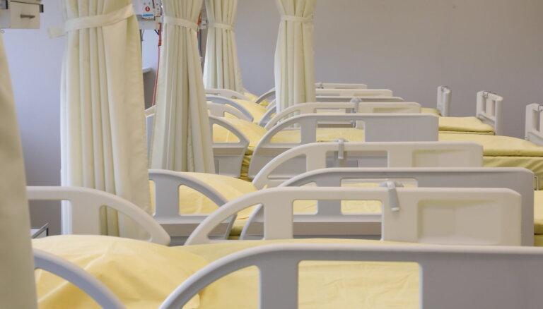 Samazinājies Covid-19 pacientu skaits Latvijas slimnīcās