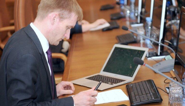 Pametot ministra amatu, Sprūdžs uzrādījis vairāk nekā pusmiljona eiro lielas parādsaistības