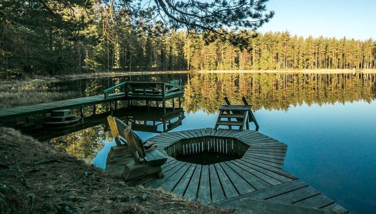 ФОТО: Озеро Ниедрайс и его живописные окрестности