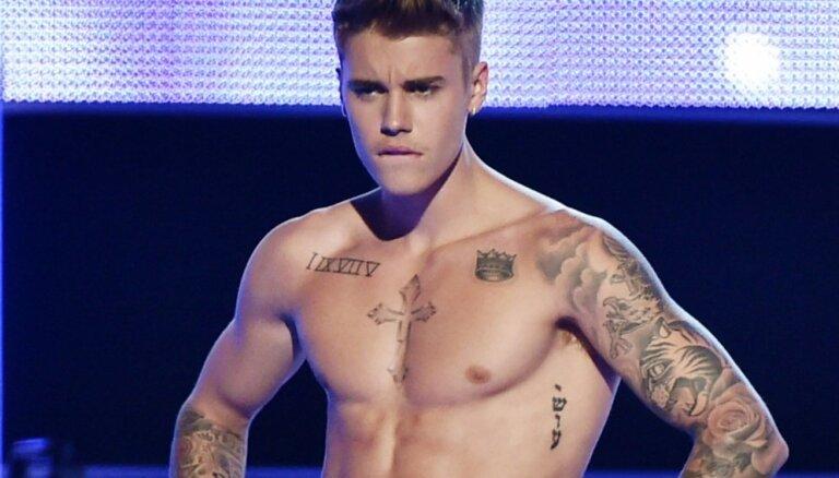 Джастин Бибер назван лучшим певцом по версии MTV