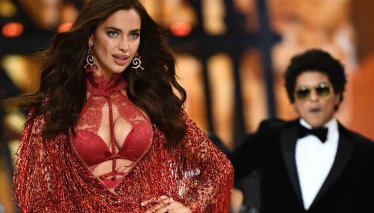 СМИ: Ирина Шейк пришла на шоу Victoria's Secret, скрывая беременность
