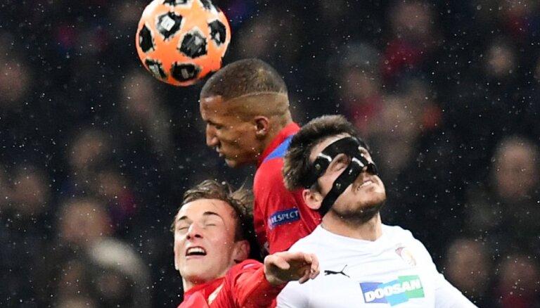 Акинфеев отбил пенальти, но ЦСКА уступил и потерял шансы на плей-офф Лиги чемпионов
