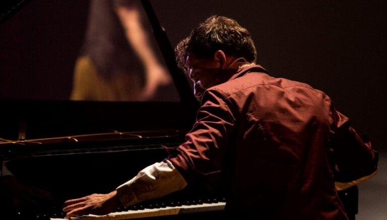 Rēzeknē skanēs pianista Reiņa Zariņa jaunā koncertprogramma 'Nakts dziesmas'