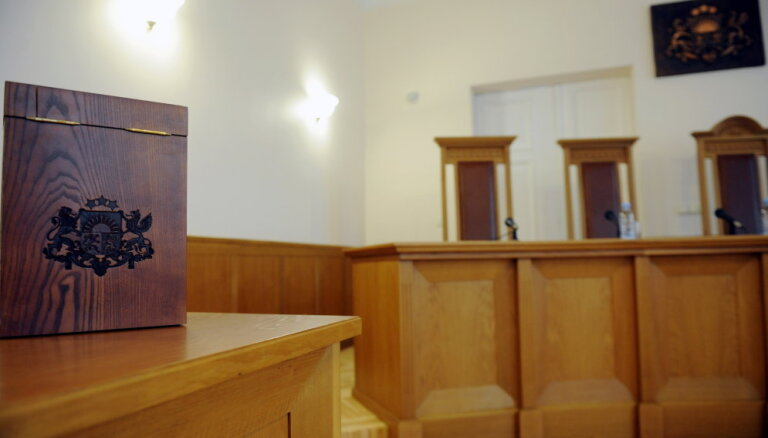 """""""Согласие"""" оспорило в Конституционном суде переход к обучению только на латышском языке"""