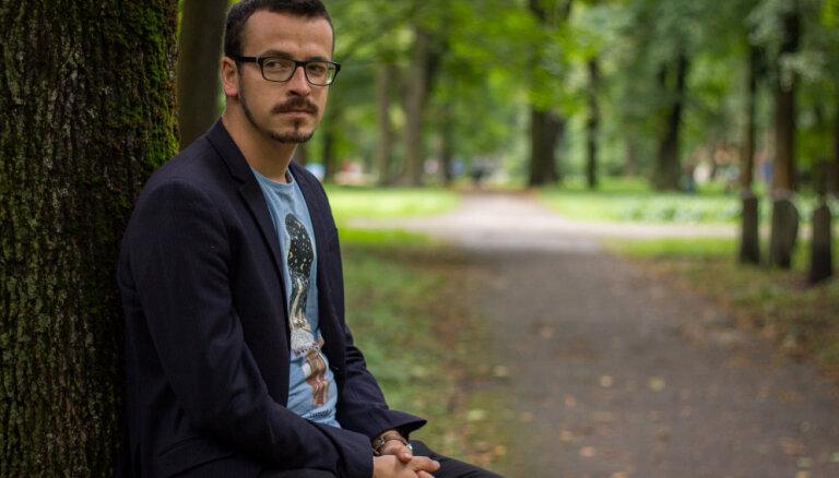 Apgāds 'Mansards' klajā laidīs Toma Treiberga otro dzejas krājumu 'Drudzis'