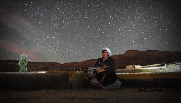 Talibi iekaroto Afganistānas-Tadžikistānas pierobežu uztic tadžiku kaujiniekiem