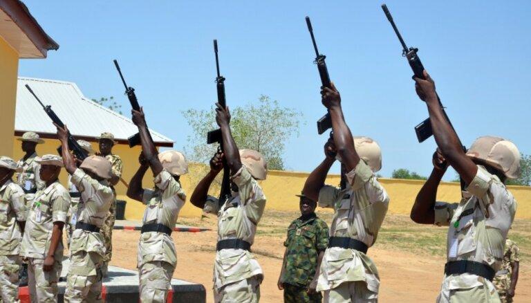 Nigērijas prezidents pēc asas kritikas nomainījis virkni armijas, flotes un gaisa spēku komandieru