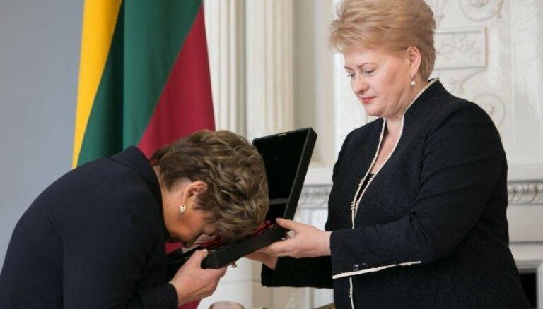 Литва посмертно наградила Ельцина Большим крестом
