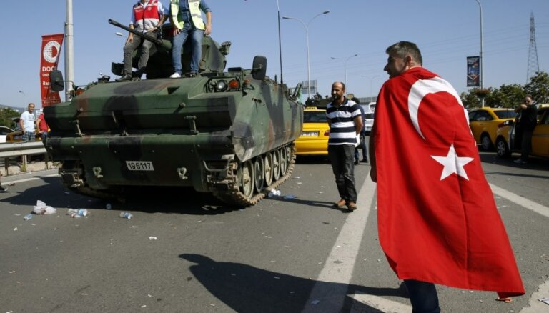 Turcijā par 2016. gada puču 47 cilvēkiem piespriests mūža ieslodzījums