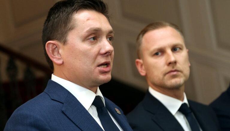 Kaimiņš aicinās neatbalstīt Gobzema 'profesionāļu valdību'; Liepiņa norāda – 'partijā viss kārtībā'