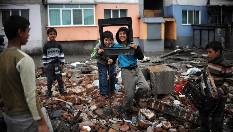 Получите в бубен: Чем живет самое страшное в мире цыганское гетто