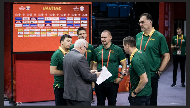 Скандал на ЧМ по баскетболу: ФИБА наказала судей за ошибку в матче с участием Литвы