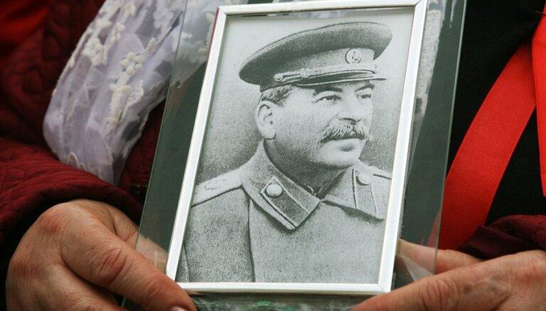 Российский историк: cоветский террор в Латвии должен быть осужден