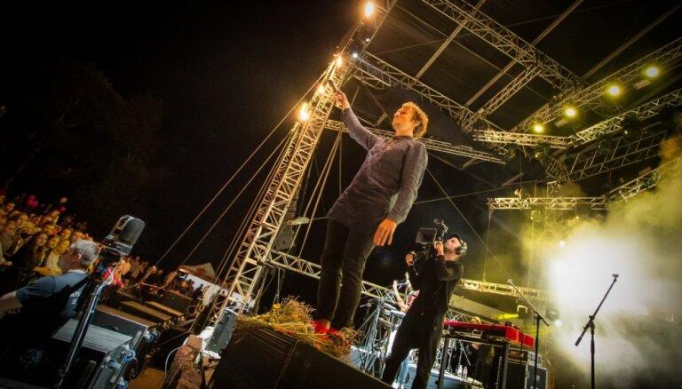 Foto: Augusta zvaigžņu naktis ar 'The Sound Poets' Siguldā