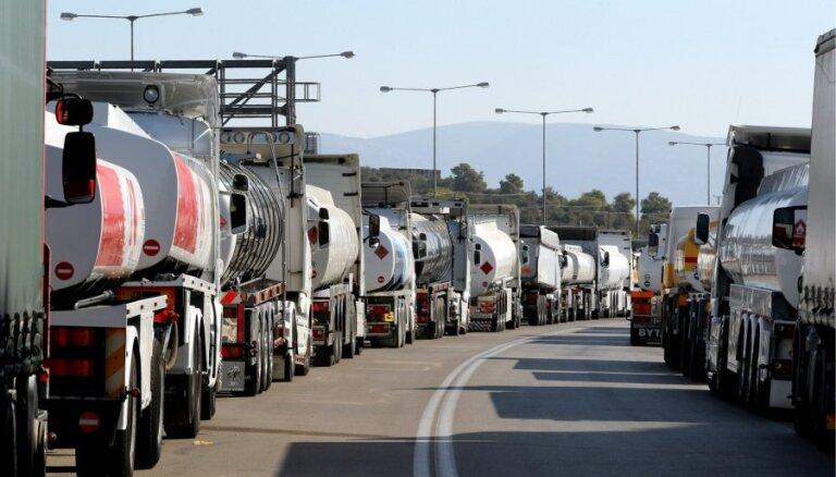 'Delfi' no Strasbūras: asi kritizētās pārmaiņas autopārvadājumu nozarē turpina 'karāties gaisā'