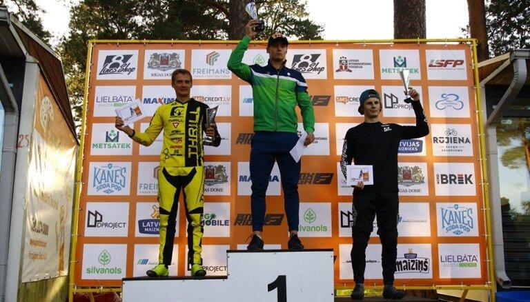 Ar spraigām sacīkstēm Rīgā noslēgusies 'SMScredit.lv' BMX čempionāta sezona