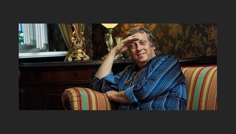Liepāja Zigmaram Liepiņam jubilejā dāvās dzeltenlapu liepu