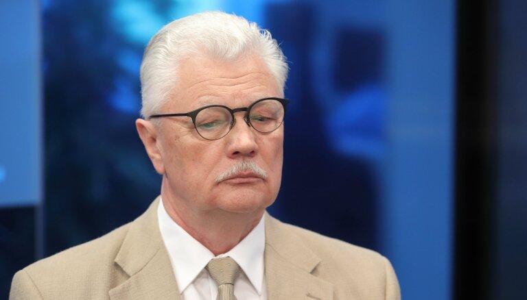 Parakstus Rīgas mēra Turlā gāšanai opozīcija domē iesniegs piektdien