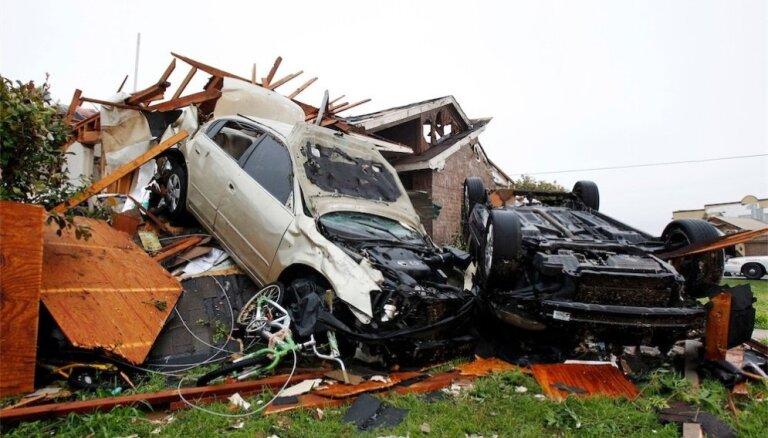 В США бушуют бури и торнадо: на Рождество погибли 42 человека