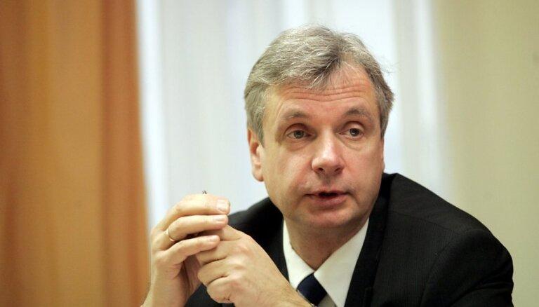 Šadurskis: Dombrovskis ir viens no trim kandidātiem EK prezidenta amatam