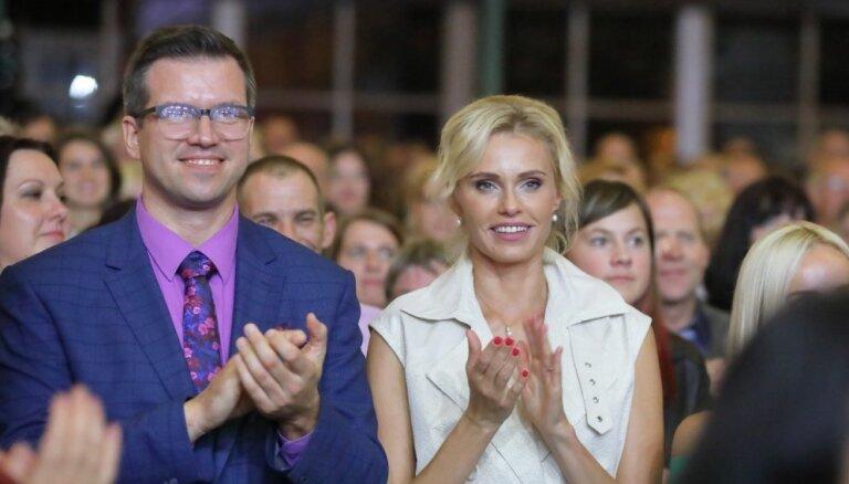 Šarmantā ziņu diktore Agnese Vārpiņa pamet darbu TV3