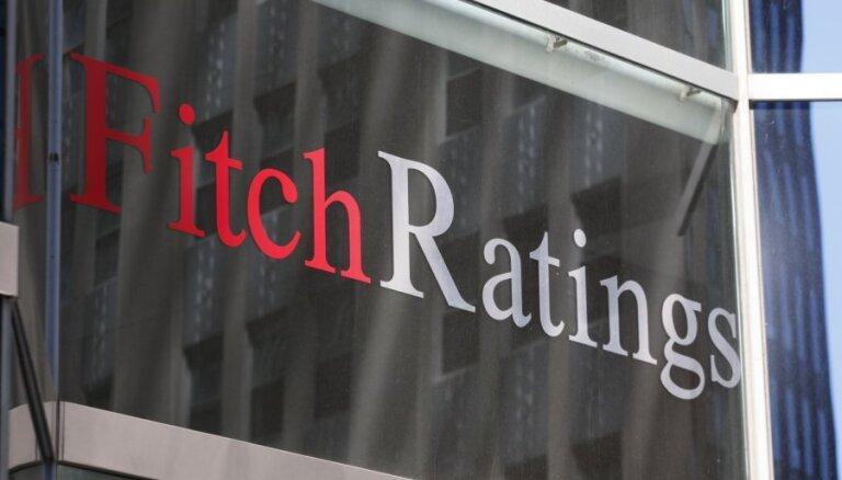 'Fitch' paaugstina Latvijas kredītreitingu