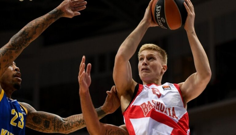 Mālmanis turpinās spēlēt Seviljā un nākamajā sezonā atgriezīsies ACB
