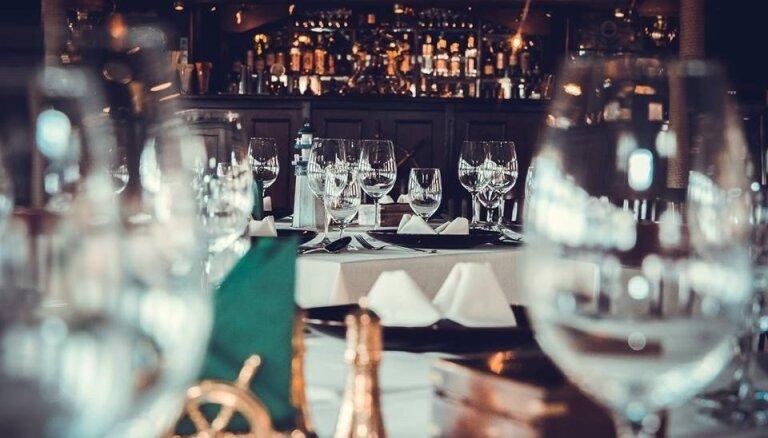 """Sunset Dinner Cruise uz divklāju kuģa-restorāna """"Rīgas Pērle"""""""