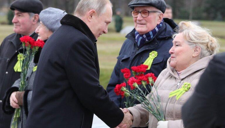Путин пообещал заткнуть поганый рот тем, кто искажает историю войны