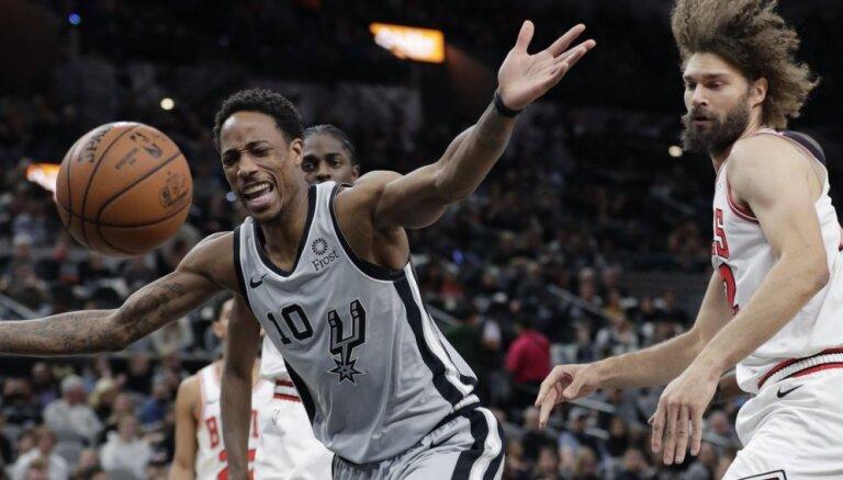 Bertāna 'Spurs' izlaiž pārsvaru un zaudē 'Bulls'
