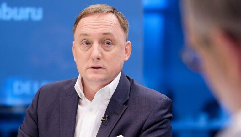 Algu mazāksolīšana, parādu 'piedošana', bīstamā makšķerēšana - atbild Latvijas Bankas prezidenta amata kandidāts Kazāks