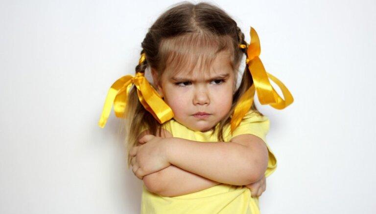 Trīs par un trīs pret: pareizi un nepareizi reaģēšanas veidi uz bērna agresiju