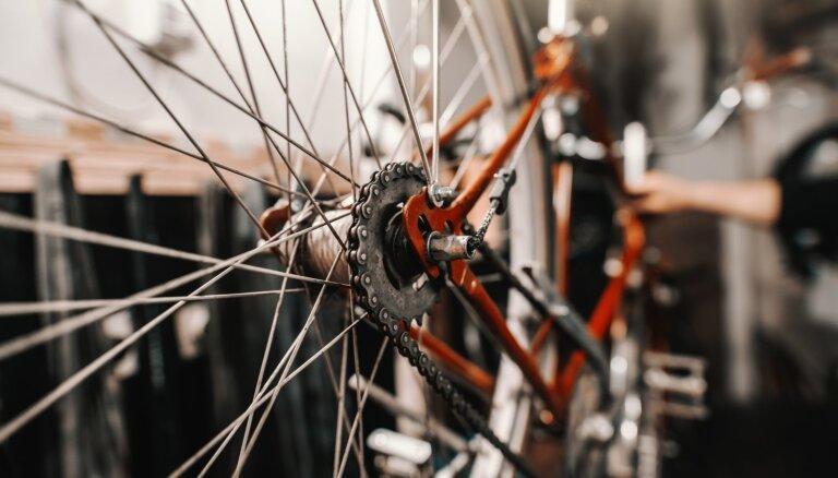 10 varianti, kā interjerā izmantot vecus riteņus