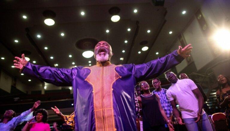 Skaisti foto: Kā afrikāņu baznīcas iedzīvojušās Londonā