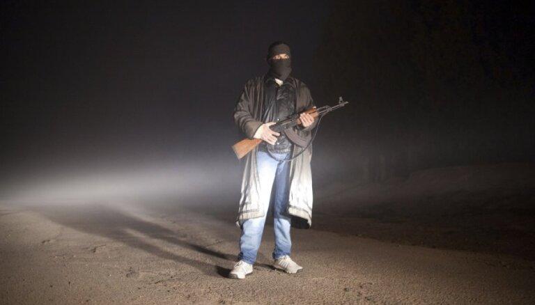 Francija un Lielbritānija apspriedīs iespējas palīdzēt Sīrijas bruņotajiem opozicionāriem