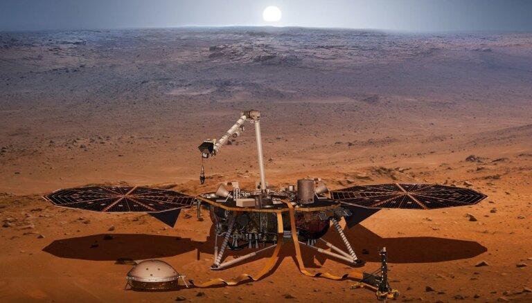 800 miljonus vērtā Marsa zonde 'InSight' briesmās