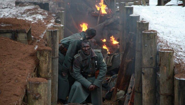 Foto: Ekskluzīvs ieskats filmas 'Pelnu sanatorija' uzņemšanas procesā