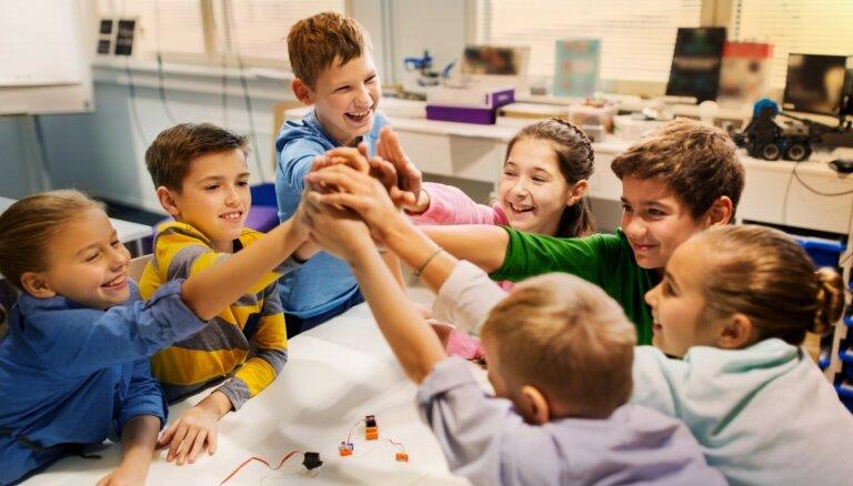 Kā iemācīt bērnam draudzēties ar vienaudžiem – psiholoģes padomi
