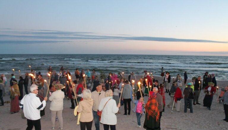 Vakarbuļļu pludmalē notiks 'Senās uguns nakts'