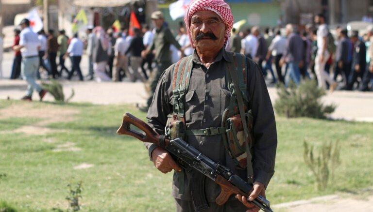ASV arī turpmāk vēlas atbalstīt kurdus cīņā pret 'Daesh'