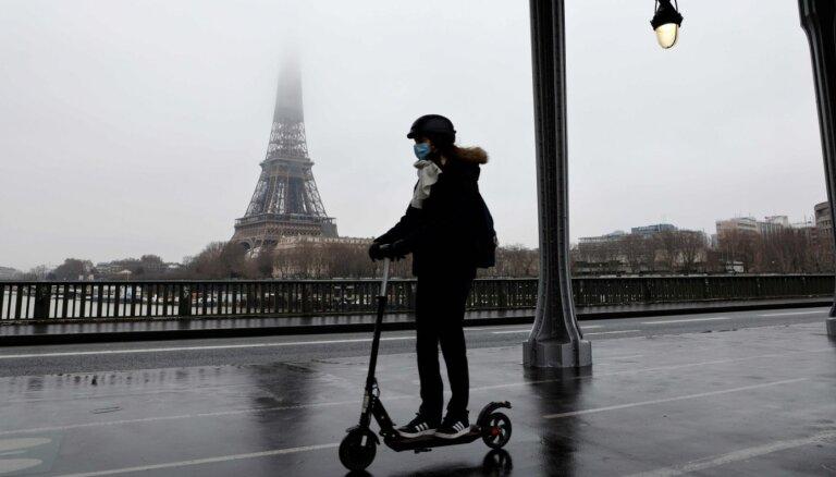 Parīze draud aizliegt elektriskos skrejriteņus